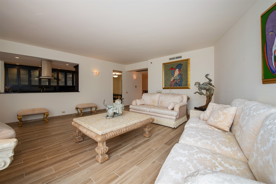 Real Estate Photography - 680 N Lake Shore Dr, 705, Chicago, IL, 60611 - Kitchen / Living Room