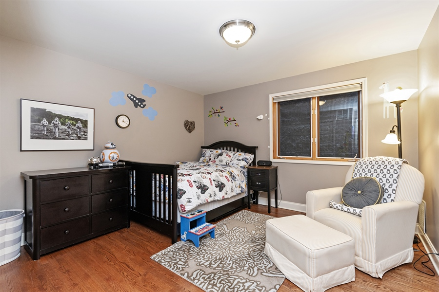 Real Estate Photography - 821 W Aldine, 1, Chicago, IL, 60657 - 2nd Bedroom