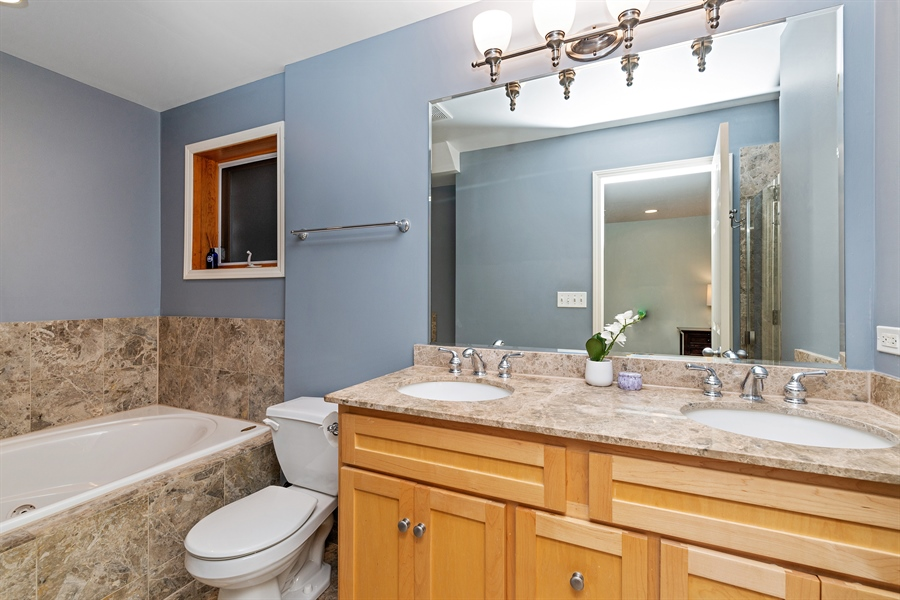 Real Estate Photography - 821 W Aldine, 1, Chicago, IL, 60657 - Master Bathroom