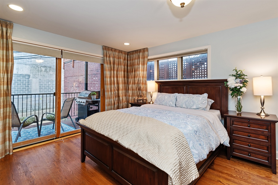 Real Estate Photography - 821 W Aldine, 1, Chicago, IL, 60657 - Master Bedroom