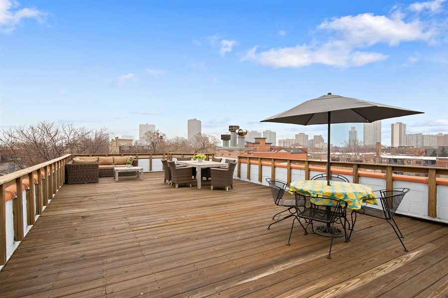 Real Estate Photography - 821 W Aldine, 1, Chicago, IL, 60657 - Roof Deck