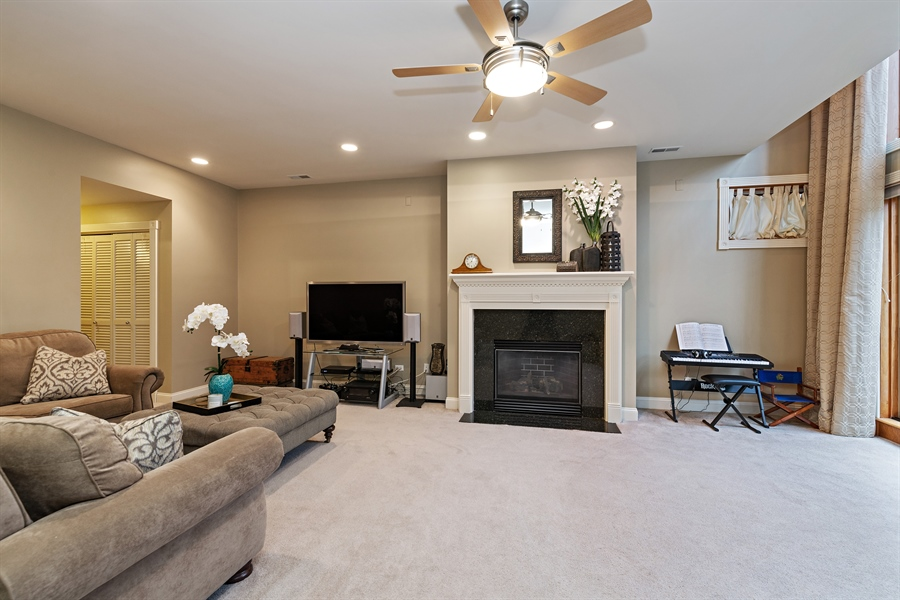 Real Estate Photography - 821 W Aldine, 1, Chicago, IL, 60657 - Family Room