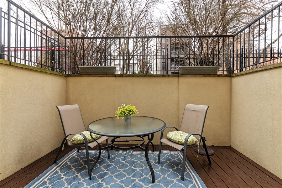 Real Estate Photography - 821 W Aldine, 1, Chicago, IL, 60657 - Porch