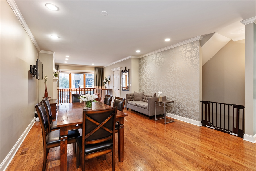 Real Estate Photography - 821 W Aldine, 1, Chicago, IL, 60657 - Living Room/Dining Room