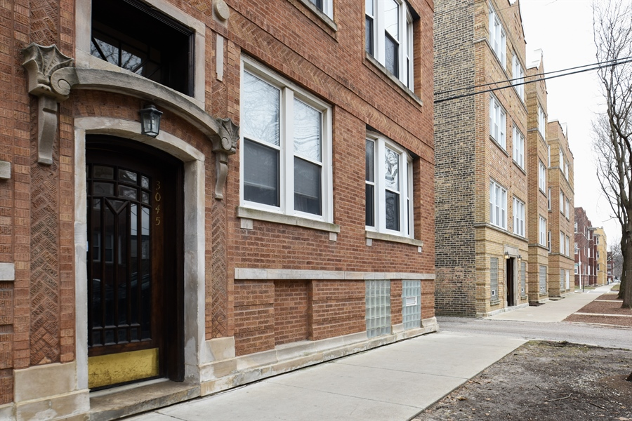 Real Estate Photography - 3045 W Sunnyside, 2W, Chicago, IL, 60625 - Front View