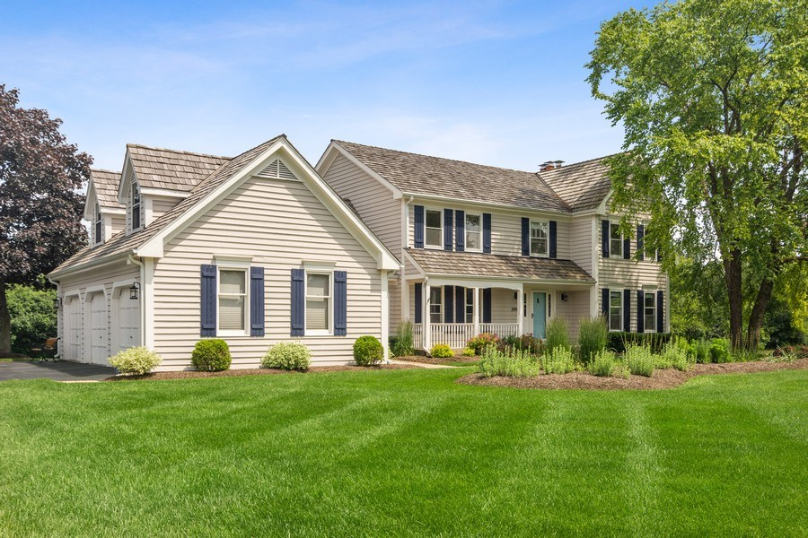 Real Estate Photography - 20905 Pheasant Trail, Barrington, IL, 60010 - Side View