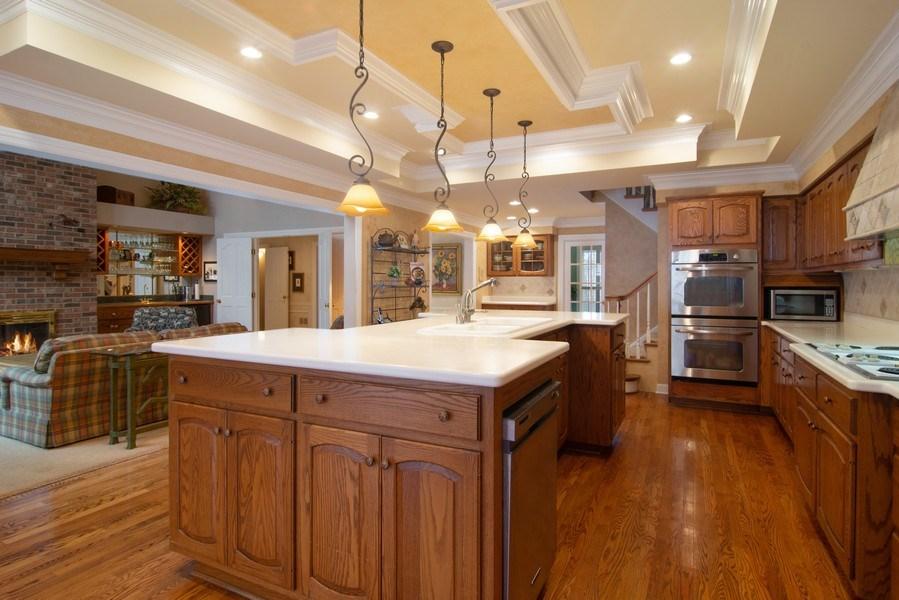 Real Estate Photography - 120 Haverton Way, Barrington, IL, 60010 - Kitchen
