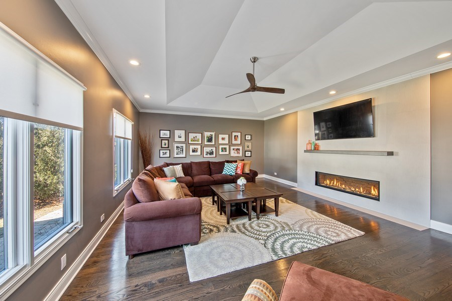 Real Estate Photography - 1500 Burberry Lane, Schaumburg, IL, 60173 - Family Room