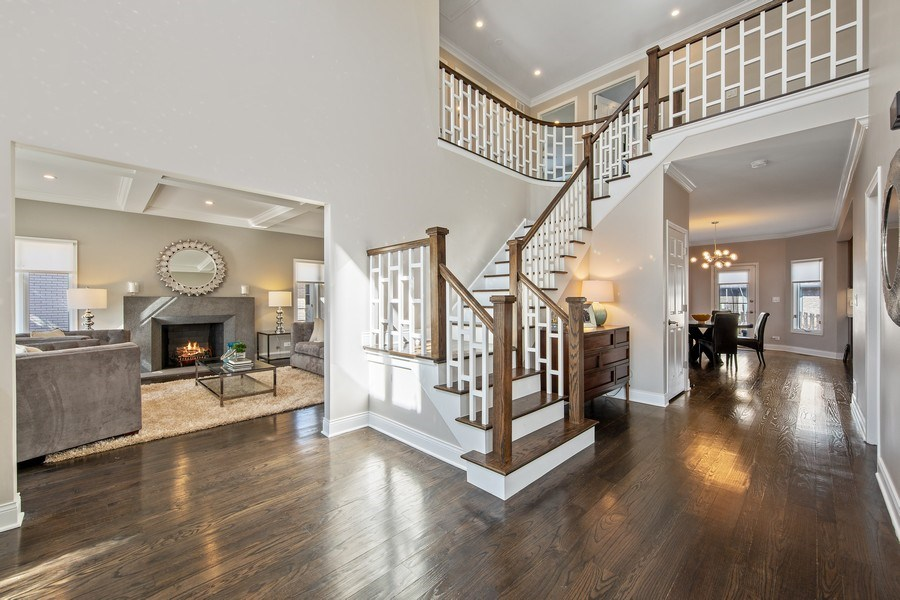 Real Estate Photography - 1500 Burberry Lane, Schaumburg, IL, 60173 - Foyer
