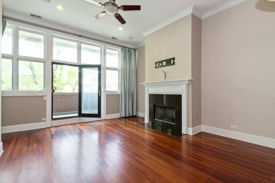 Real Estate Photography - 2549 N. Southport, 2, Chicago, IL, 60614 - Living Room