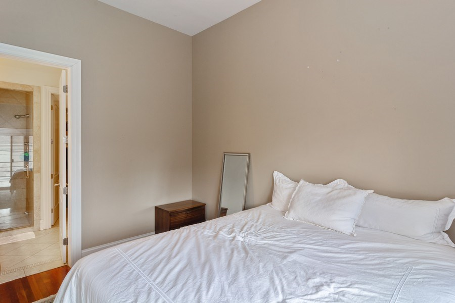 Real Estate Photography - 2549 N. Southport, 2, Chicago, IL, 60614 - Master Bedroom