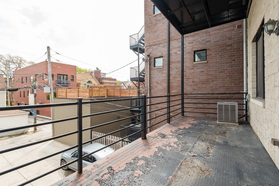 Real Estate Photography - 2549 N. Southport, 2, Chicago, IL, 60614 -