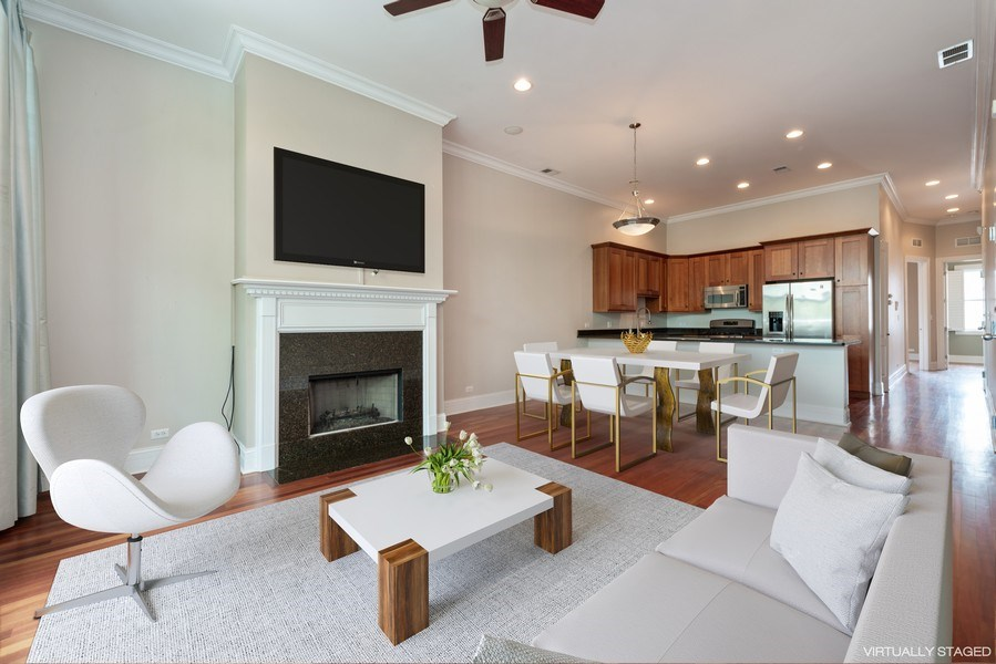 Real Estate Photography - 2549 N. Southport, 2, Chicago, IL, 60614 - Kitchen / Living Room