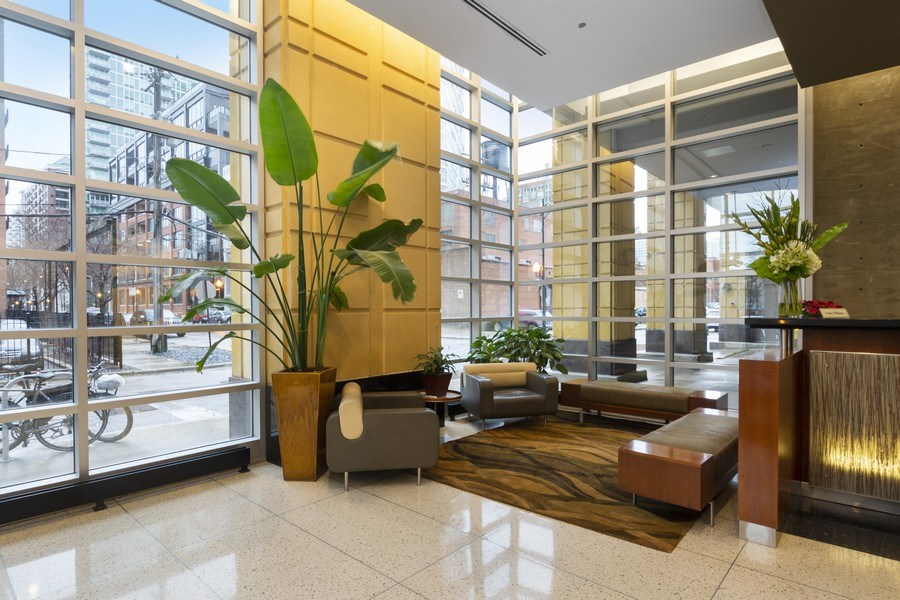 Real Estate Photography - 700 N Larrabee #1115, Chicago, IL, 60654 - Lobby