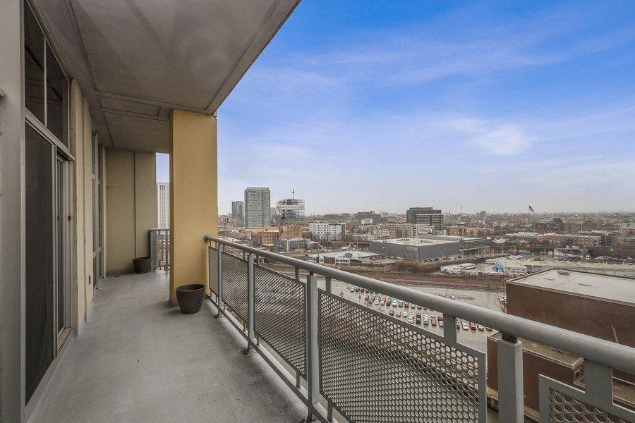 Real Estate Photography - 700 N Larrabee #1115, Chicago, IL, 60654 - Balcony