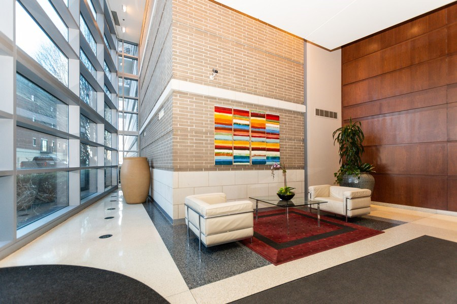 Real Estate Photography - 1515 S Prairie Ave #403, Chicago, IL, 60605 - Lobby