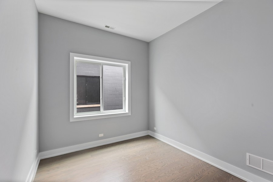 Real Estate Photography - 730 W. 17th Place, 2E, Chicago, IL, 60616 - Bedroom