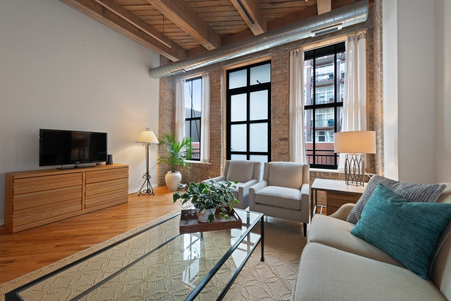 Real Estate Photography - 1040 W Adams St., Unit 209, Chicago, IL, 60607 - Living Room