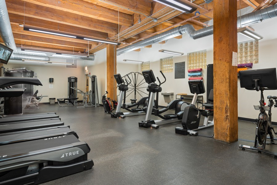 Real Estate Photography - 1040 W Adams St., Unit 209, Chicago, IL, 60607 - Gym