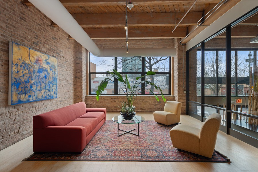 Real Estate Photography - 1040 W Adams St., Unit 209, Chicago, IL, 60607 - Lobby