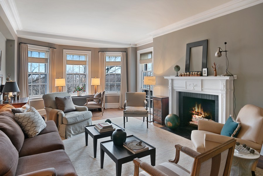 Real Estate Photography - 2600 North Lakeview Avenue, #4E, Chicago, IL, 60614 - ORIGINAL FIREPLACE MANTLE & DEEP HEARTH