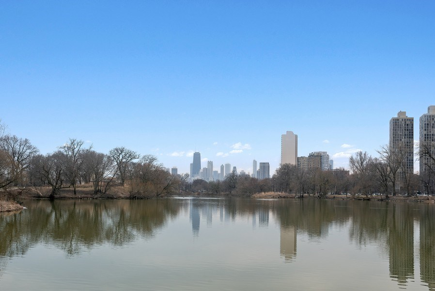 Real Estate Photography - 2600 North Lakeview Avenue, #4E, Chicago, IL, 60614 - SERENE LAGOON VIEWS OF OUR ICON SKYLINE!!