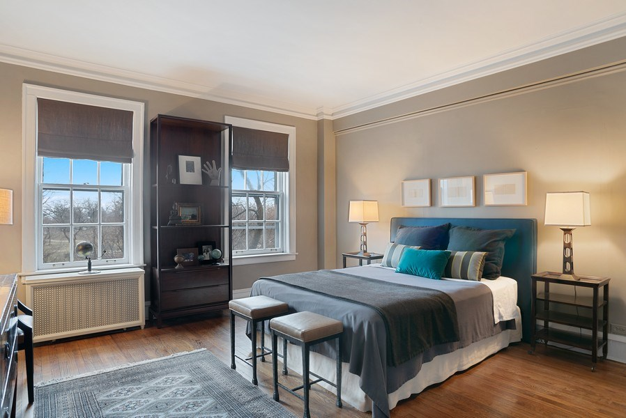 Real Estate Photography - 2600 North Lakeview Avenue, #4E, Chicago, IL, 60614 - HUGE MASTER BEDROOM WITH PARK VIEWS