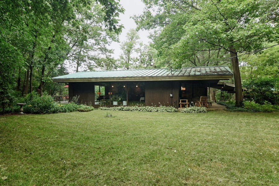 Real Estate Photography - 65 Timberlake Parkway, Barrington, IL, 60010 - Side View