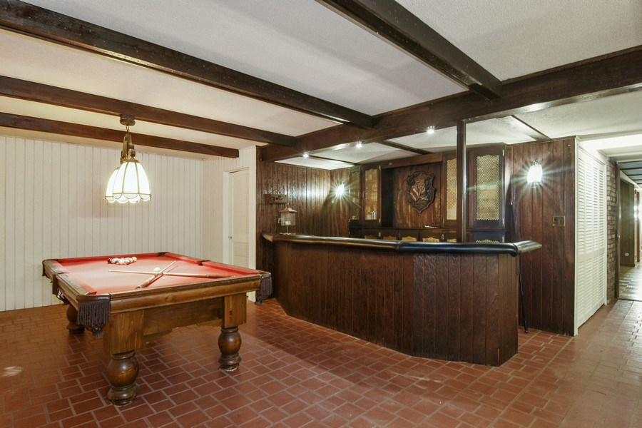 Real Estate Photography - 65 Timberlake Parkway, Barrington, IL, 60010 - Bar