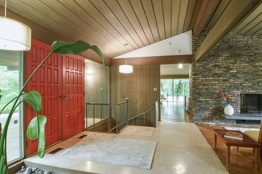 Real Estate Photography - 65 Timberlake Parkway, Barrington, IL, 60010 - Entryway