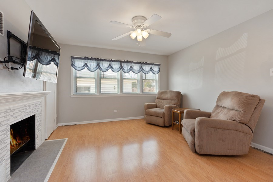 Real Estate Photography - 7252 N Overhill, Chicago, IL, 60631 - Family Room