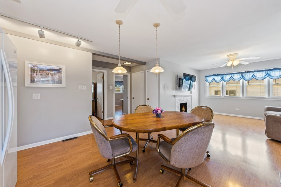 Real Estate Photography - 7252 N Overhill, Chicago, IL, 60631 - Family Room / Kitchen