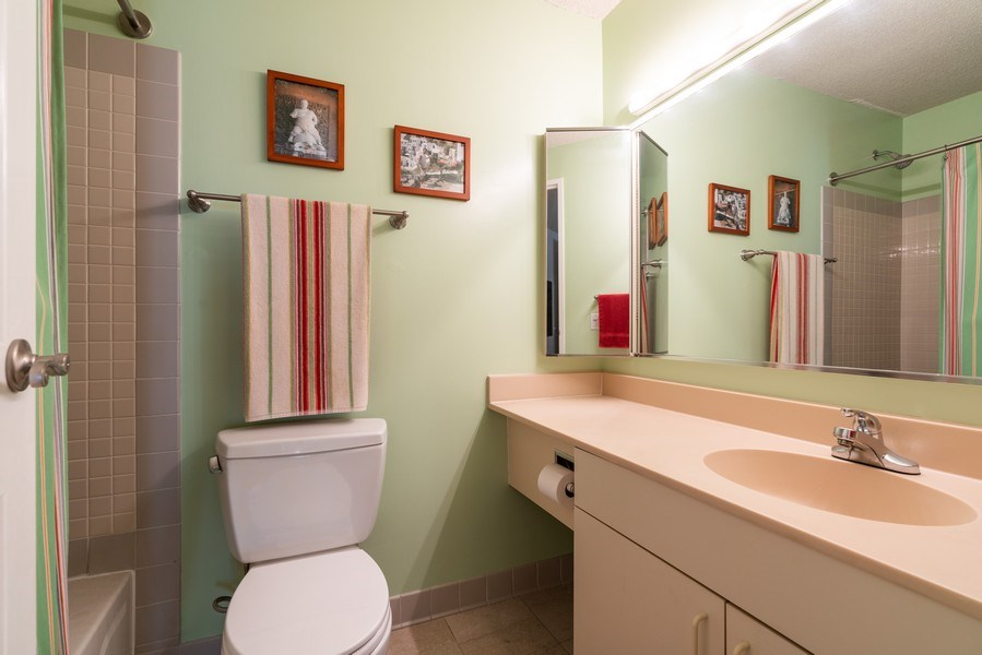 Real Estate Photography - 480 N McClurg Ct, Unit 920, Chicago, IL, 60611 - Master Bathroom