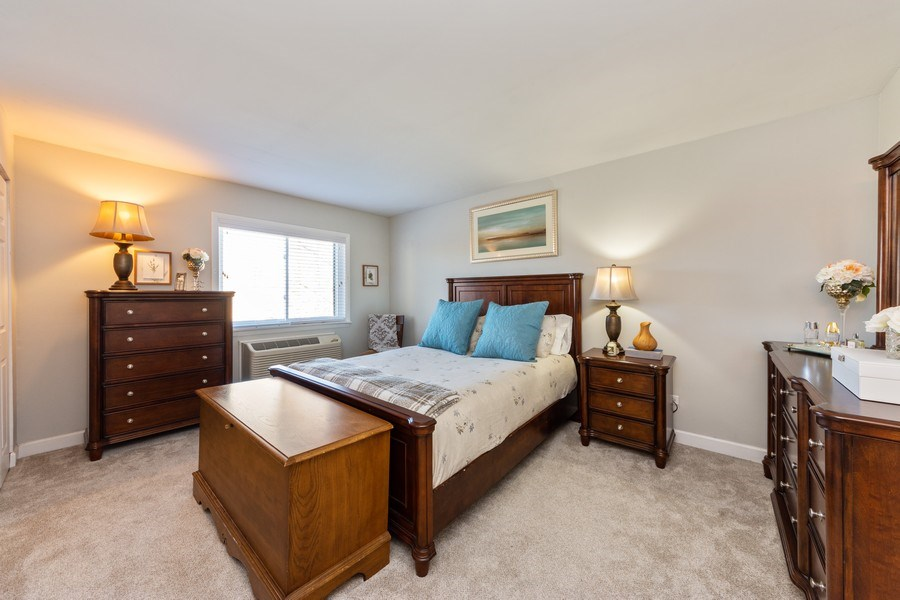 Real Estate Photography - 2219 Nichols, #E, Arlington Heights, IL, 60004 - Master Bedroom