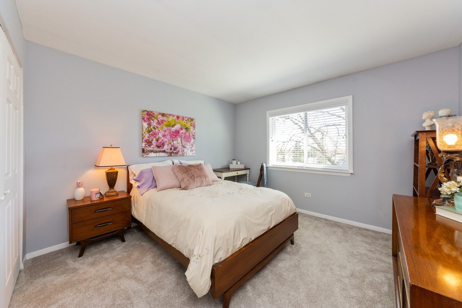 Real Estate Photography - 2219 Nichols, #E, Arlington Heights, IL, 60004 - 2nd Bedroom