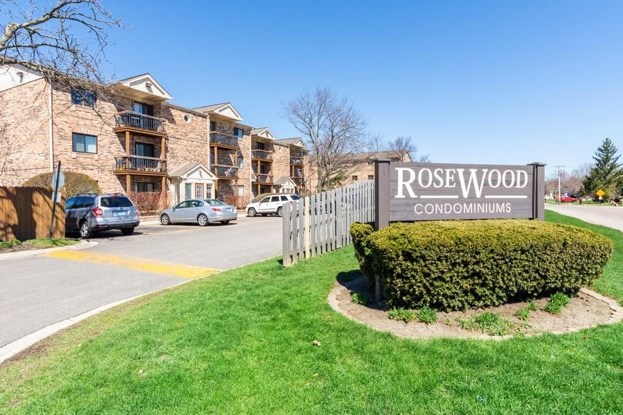 Real Estate Photography - 2219 Nichols, #E, Arlington Heights, IL, 60004 - Neighborhood