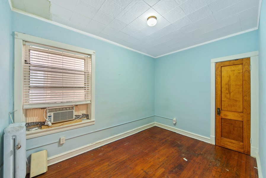 Real Estate Photography - 2512 W Cullom, Chicago, IL, 60641 - 2nd Bedroom