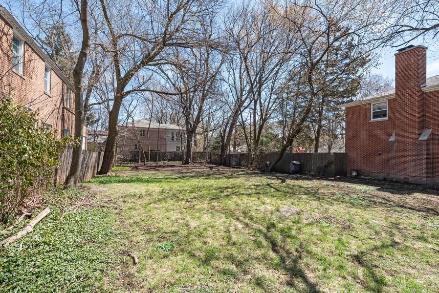 Real Estate Photography - 2041 Hawthorne Ln, Evanston, IL, 60201 - Location 4