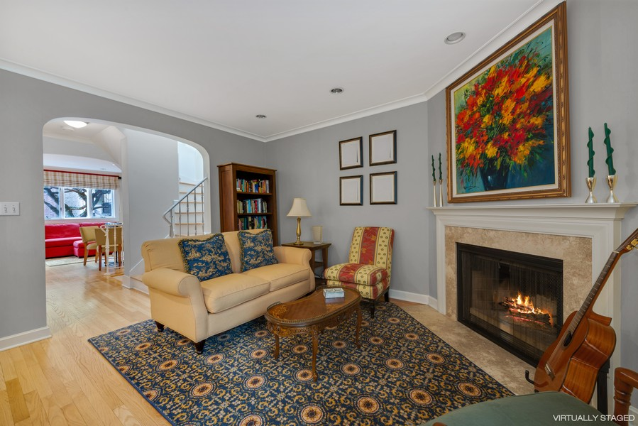 Real Estate Photography - 1839A N. Hudson, Chicago, IL, 60614 - Living Room