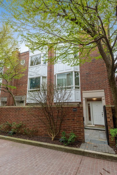 Real Estate Photography - 1839A N. Hudson, Chicago, IL, 60614 - Front View