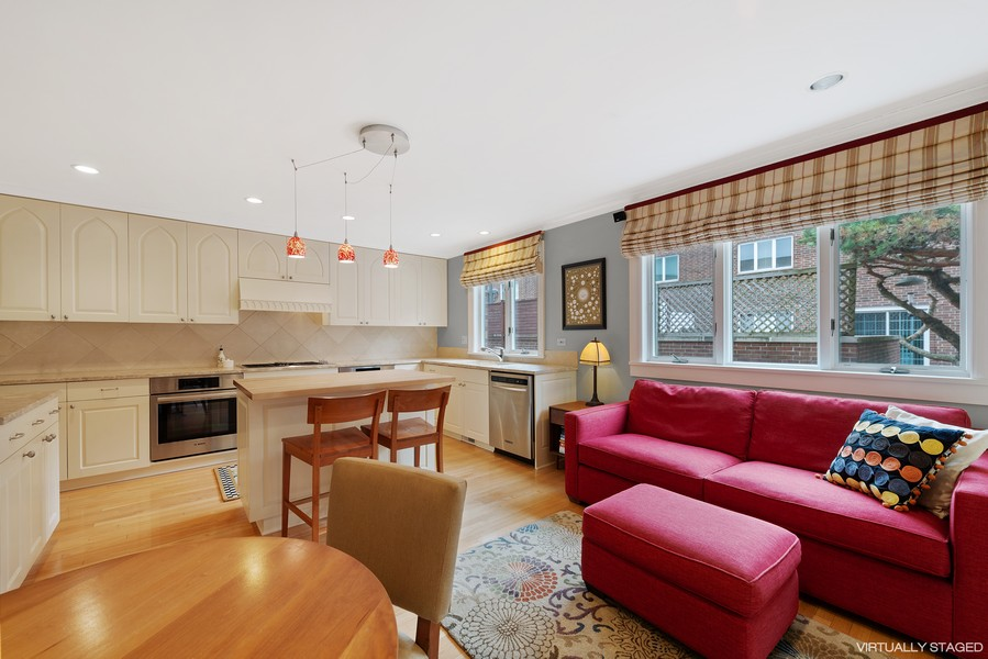 Real Estate Photography - 1839A N. Hudson, Chicago, IL, 60614 - Kitchen/Family Room