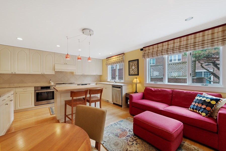 Real Estate Photography - 1839A N. Hudson, Chicago, IL, 60614 - Family Room / Kitchen