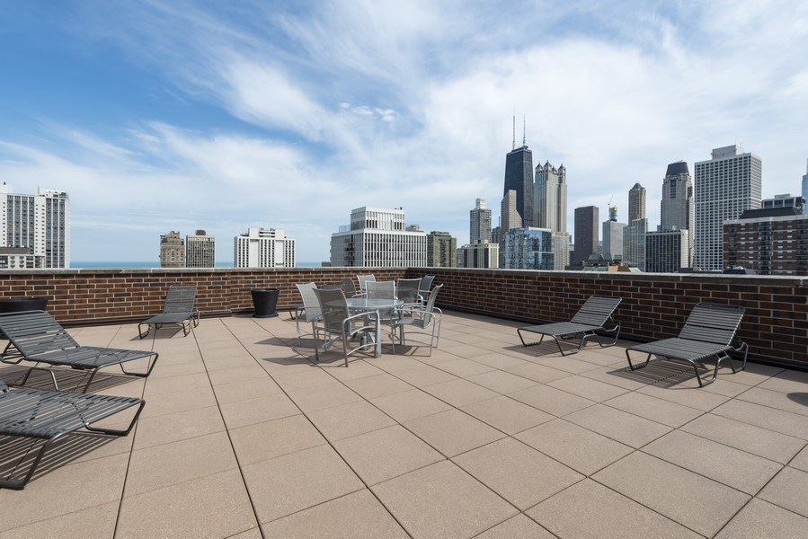 Real Estate Photography - 1250 N Dearborn #16E, Chicago, IL, 60610 - Roof Deck