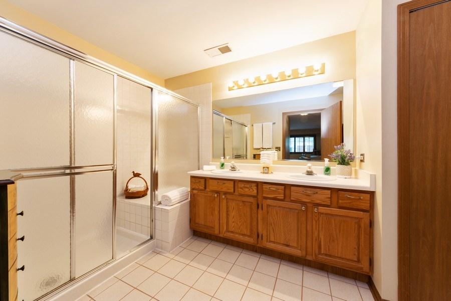Real Estate Photography - 1723 W. HAWKES STREET, Unit 1, ARLINGTON HEIGHTS, IL, 60004 - Master Bathroom