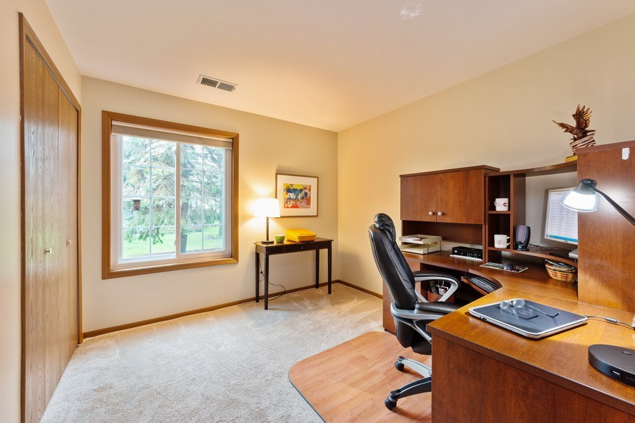 Real Estate Photography - 1723 W. HAWKES STREET, Unit 1, ARLINGTON HEIGHTS, IL, 60004 - 3rd Bedroom