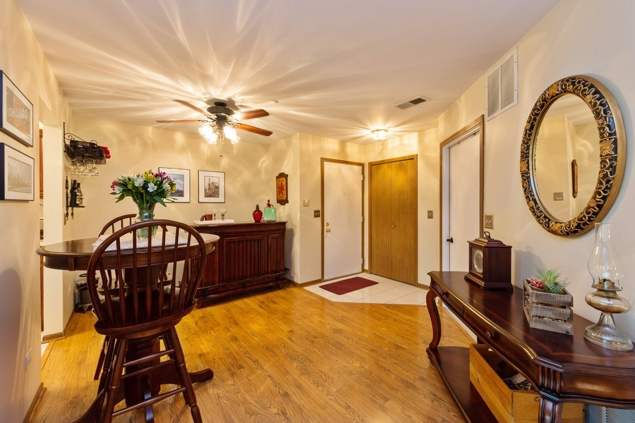Real Estate Photography - 1723 W. HAWKES STREET, Unit 1, ARLINGTON HEIGHTS, IL, 60004 - Dining Room
