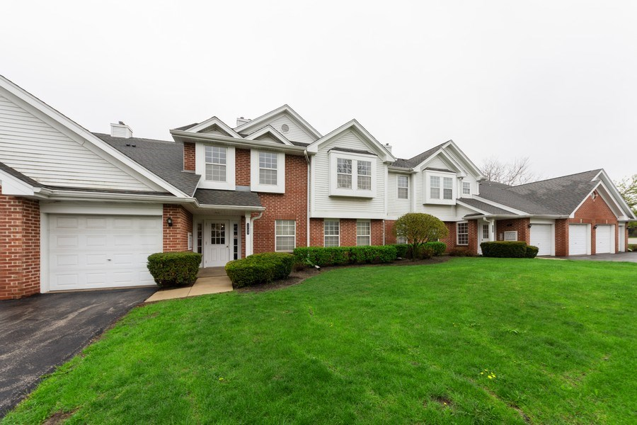 Real Estate Photography - 1723 W. HAWKES STREET, Unit 1, ARLINGTON HEIGHTS, IL, 60004 - Front View