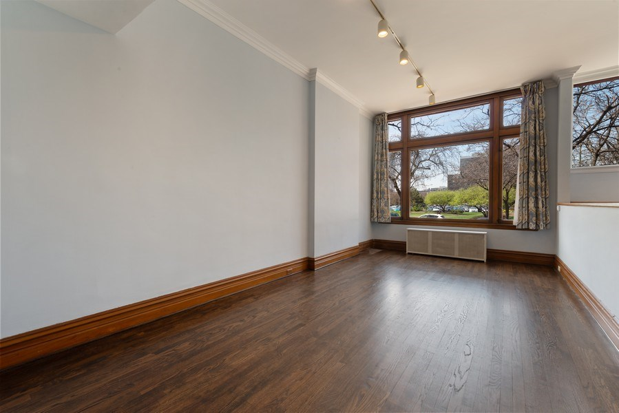 Real Estate Photography - 915 N LaSalle, Chicago, IL, 60610 - Living Room