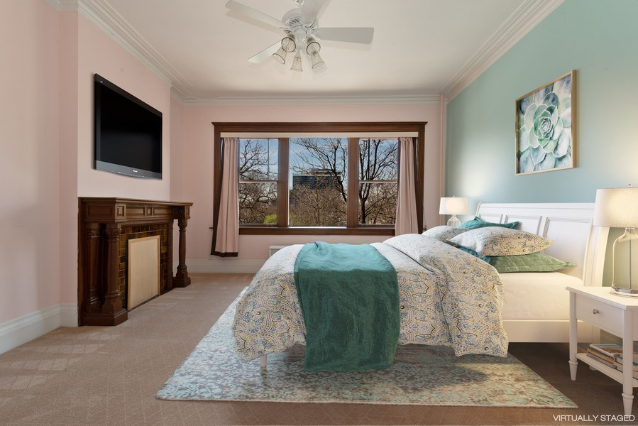 Real Estate Photography - 915 N LaSalle, Chicago, IL, 60610 - 2nd Bedroom