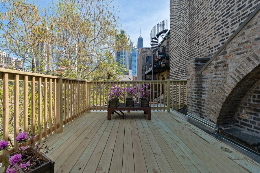 Real Estate Photography - 915 N LaSalle, Chicago, IL, 60610 -